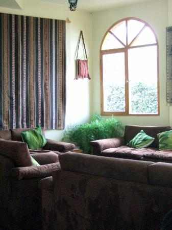 Cafe Pachamama: comfortable lounge, in restaurant, to await meal or listen to music