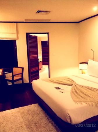 Kamalaya Koh Samui: seaview room - washroom leading to terrace