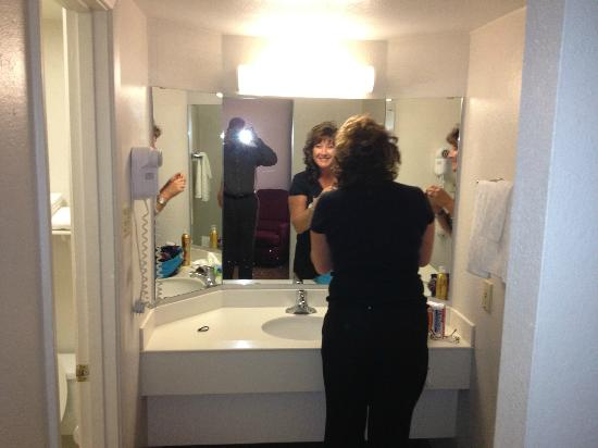 La Quinta Inn Texarkana: Makeup area with hot wife (not included)