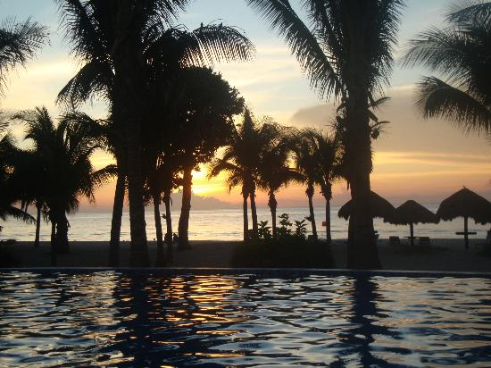 Residencias Reef Condos: Sunset view from balcony