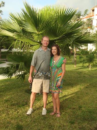 Residencias Reef Condos: Enjoying the grounds