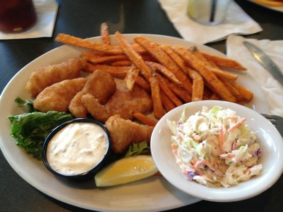Schooners Restaurant : pricey for $19