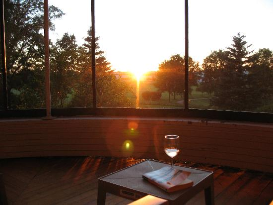 Oaklawn Inn: Savor a glass of wine with your sunset.