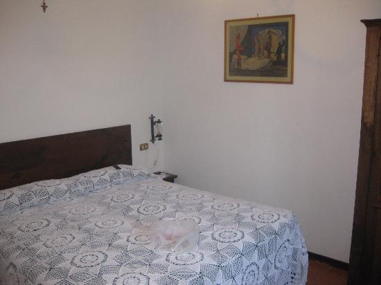 Santa Maria Degli Ancillotti: our bedroom in our apartment