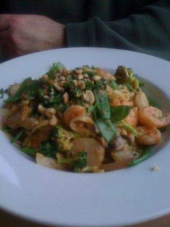 Fratello's Riverfront Restaurant: Thai Shrimp and Noodles