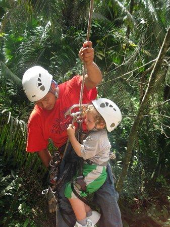 Bocawina Adventures & EcoTours Ltd.: Eseban 2 ans 4 mois wow quelle experience