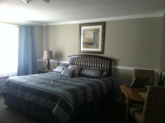 Nantasket Hotel at the Beach: room pic 2