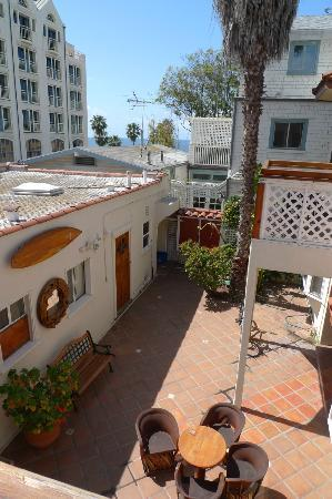 The Hotel California: Beachy feel courtyard