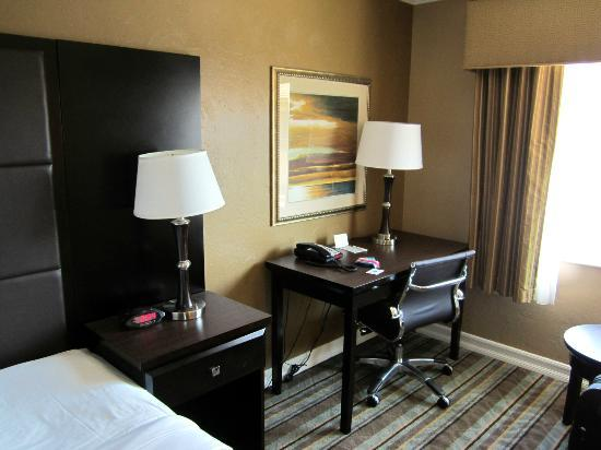 Best Western Carmel's Town House Lodge: Room 217