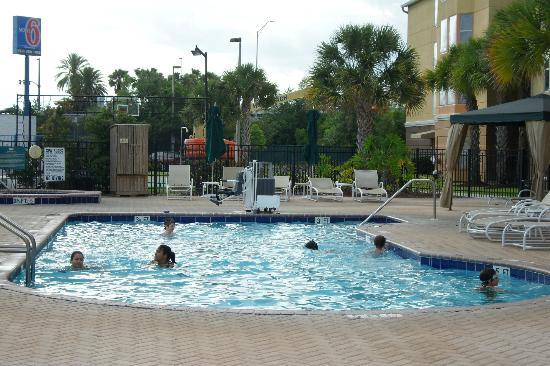 Homewood Suites by Hilton Orlando-Nearest to Univ Studios: The Evening Hotspot - Relaxing Dip in the Pool