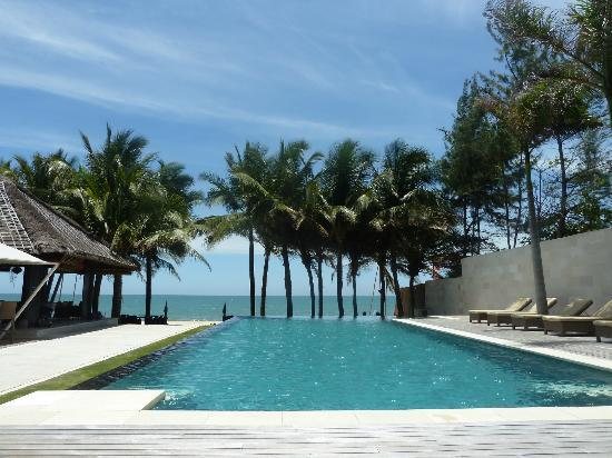 Sunsea Resort: infinity pool