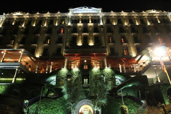 Grand Hotel Tremezzo: Grand Hotel at night