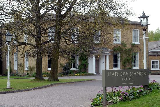 Hadlow Manor Hotel: Entrance to Hotel