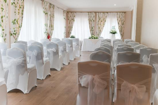 Hadlow Manor Hotel: The Garden Room - Civil Ceremony