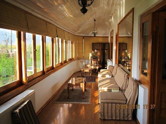 Hotel Dar-Es-Salam: verandah