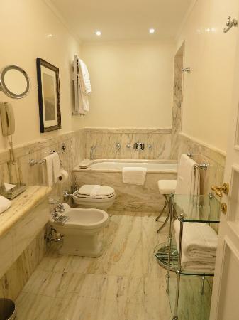 Belmond Grand Hotel Timeo: Bathroom