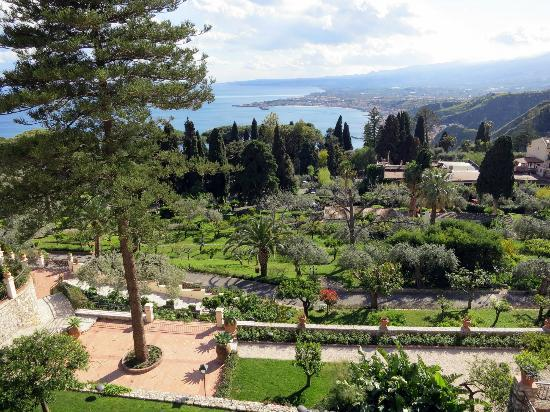 Belmond Grand Hotel Timeo : View of the garden