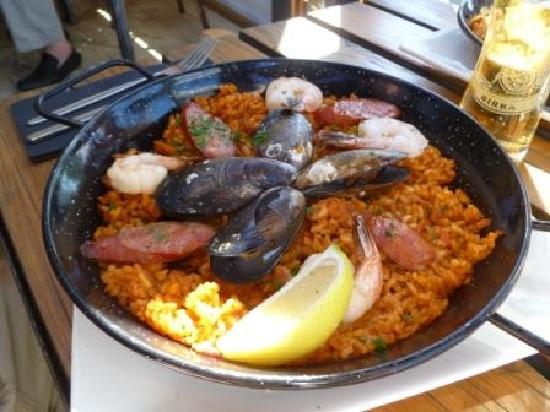 Hector's Cafe on the Wharf: Paella