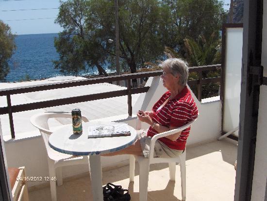 Black Sand Hotel Apartments: Udsigt fra vores balkon på Black Sand  Kamari