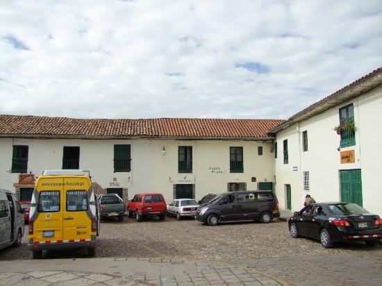Cusco Plaza Nazarenas: Front view