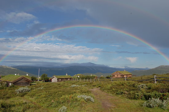 Hovringen, Noruega: Under the rainbow