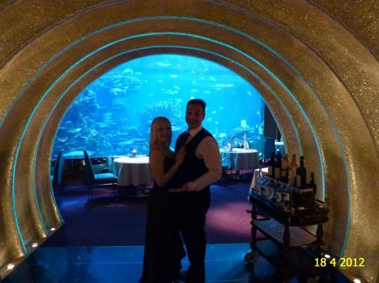 Burj Al Arab Jumeirah: AL MAHARA RESTAURANT DURING OUR CULINARY FLIGHT DINNER IN APRIL 2012.