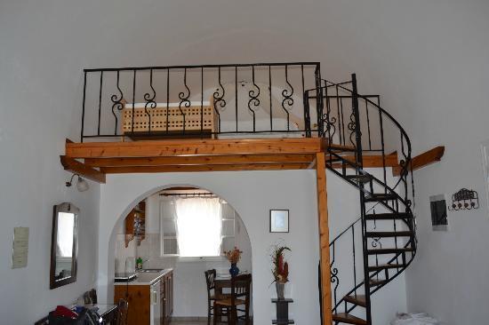 Reverie Santorini Hotel : Loft