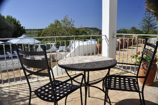 Quinta Bonita Luxury Boutique Hotel: Our room terrace overlooking the garden.