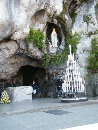 Les Jardins de Lourdes: grotta