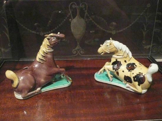 Taft Museum of Art: A pair of Chinese horse-shaped water dippers
