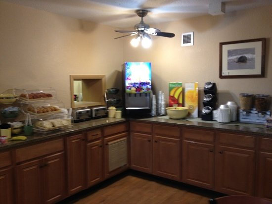Quality Inn Carolina Oceanfront: great breakfast