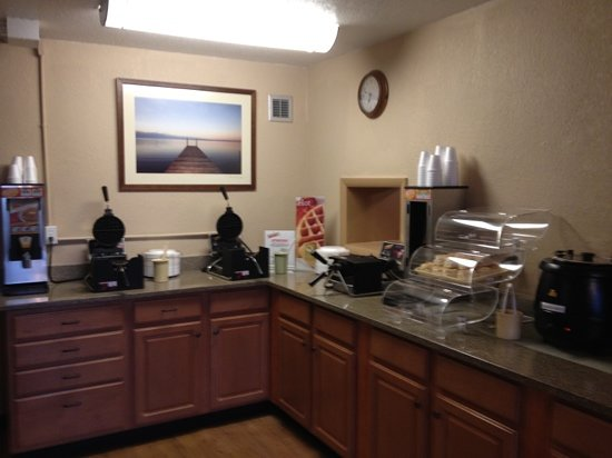 Quality Inn Carolina Oceanfront: waffle and gravy