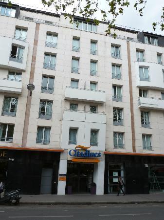 Citadines Bastille Marais Paris: Apart Hotel Building.