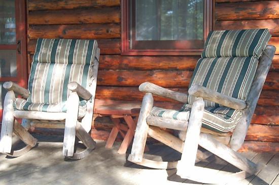 Birch Meadow Luxury Log Cabins & B&B: Deck
