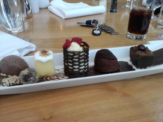 Ice House Restaurant: Chocolate plate to die for!