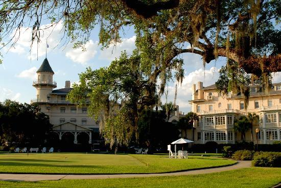 The Beachview Club: Jekyll Island Inn in Springtime