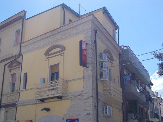 San Severo, Italia: getlstd_property_photo
