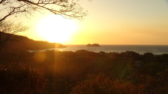 Playa Hermosa, Costa Rica: Typical evening sunset