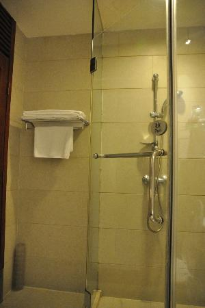 Zhong Tai Lai Hotel: Shower Cubicle