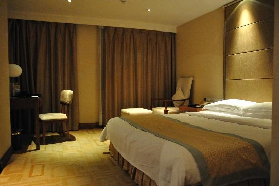 زي تي إل هوتل - دايو إن شينزين سابقًا: King size Bed Room