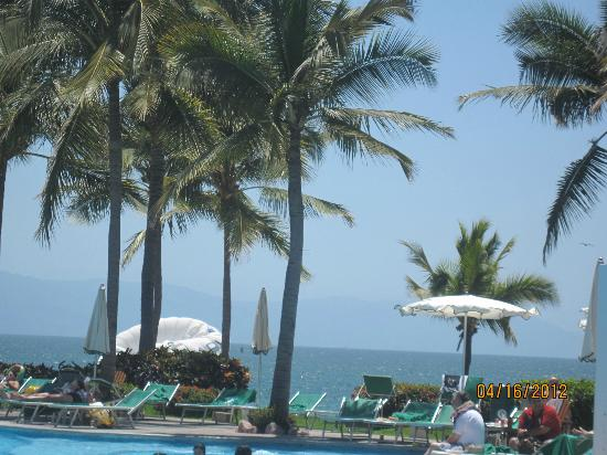 Mayan Palace Puerto Vallarta: Clear Blue Skies