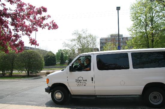 Stay Inn Lombard: Friendly Shuttle Service