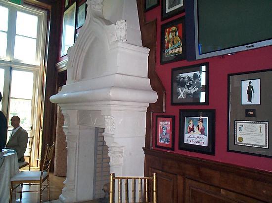 Oheka Castle Mansion Tours: details of Chaplin's room