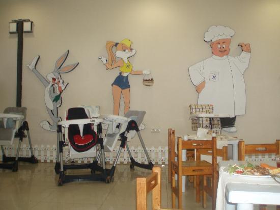 Sural Garden Hotel: the part where the children eat