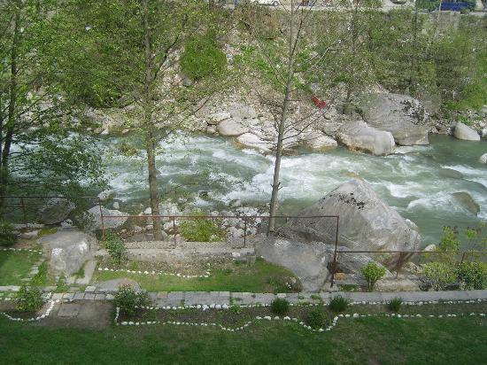 Hotel Beas (HPTDC): view from balcony