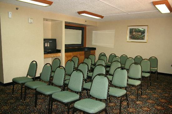 SureStay Plus Hotel by Best Western Chicago Lombard: Meeting room 2