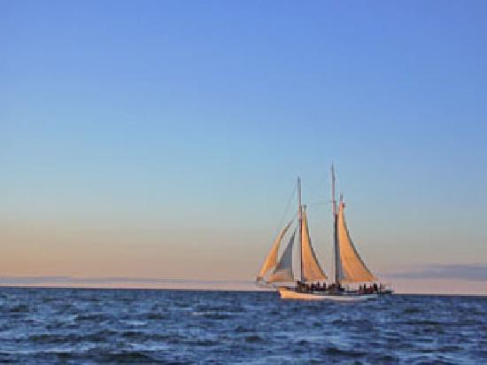 Saginaw Bay Sailing - Appledore IV