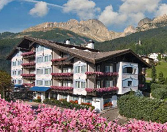 Alpen Hotel Corona Sport & Wellness: esterno