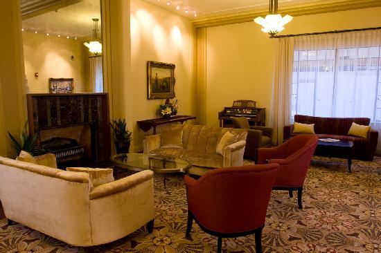 Baroness Hotel: The Lobby