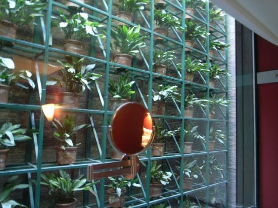 Casa Camper Hotel Barcelona: 赤と緑は良いです!